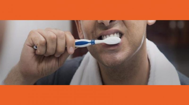 كيف يحمي تنظيف الأسنان بشكل صحيح  من مرض لا علاج له
