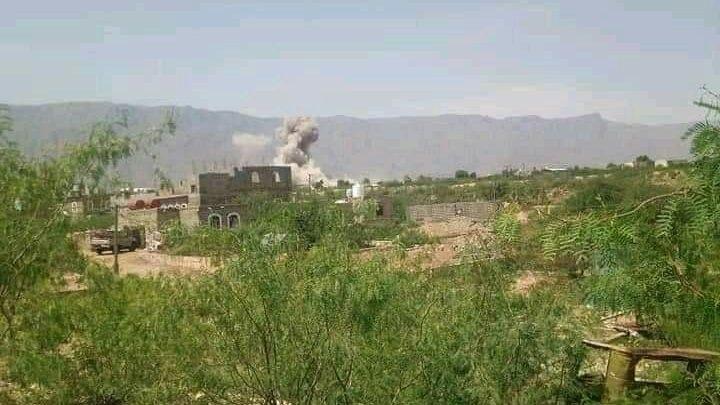 عاجل.. مليشيات الحوثي تقصف معسكر اللواء 115 مشاة التابع للجيش الوطني في لودر بمحافظة ابين