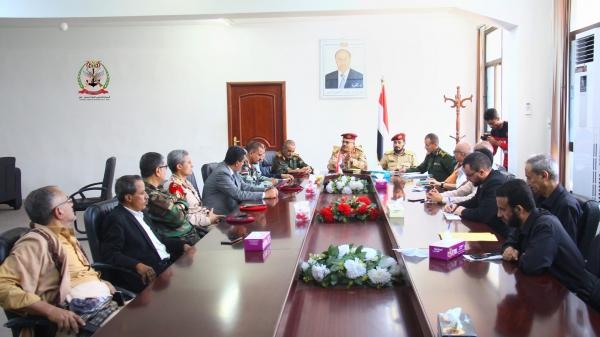 إجتماع للجنة الأمنية وقيادات الأحزاب والقوى السياسية بتعز
