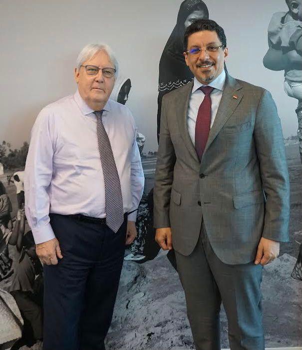 بن مبارك يناقش مع مارتن غريفيث الوضع الإنساني في اليمن