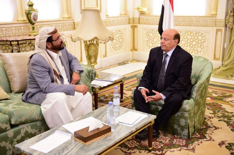 تفاصيل مكالمة الرئيس هادي مع محافظ مأرب سلطان العرادة