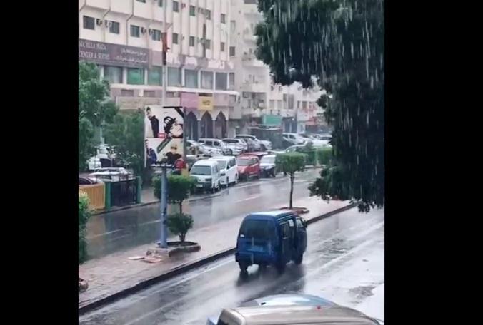 """مخاوف من إعصار شاهين بعد هطول أمطار كثيفة في عدن """"تقرير"""""""
