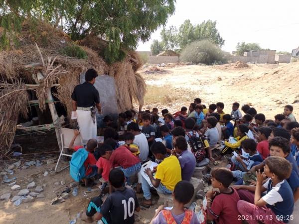 آلاف الطلاب في حجة يتلقون التعليم في بيئة غير أمنة غير صالحة للتعلم